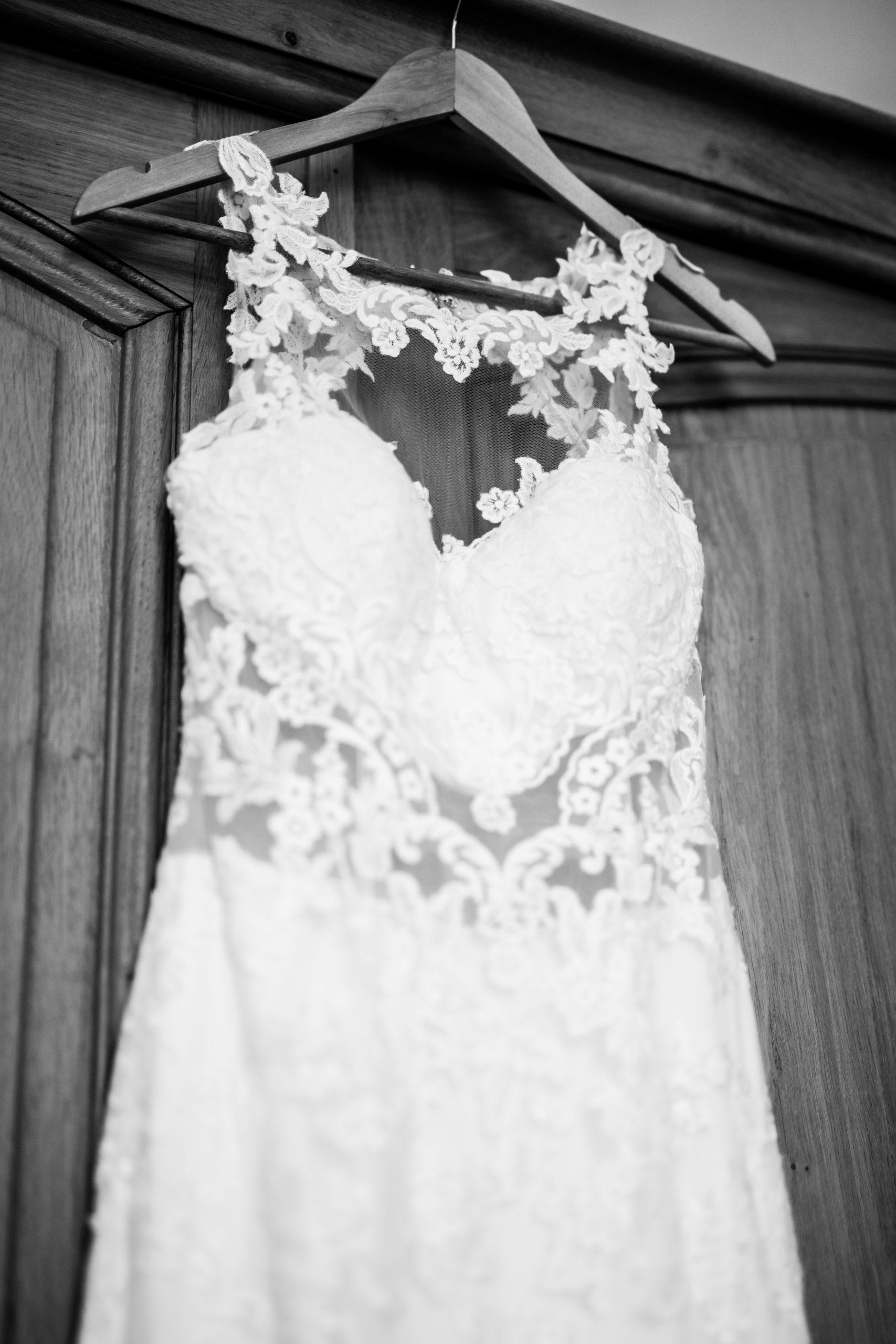 Photographe mariage - Hôtel de Bourgtheroulde - Rouen - Séance couple - mariage France - mariage intime - robe de mariée dentelle