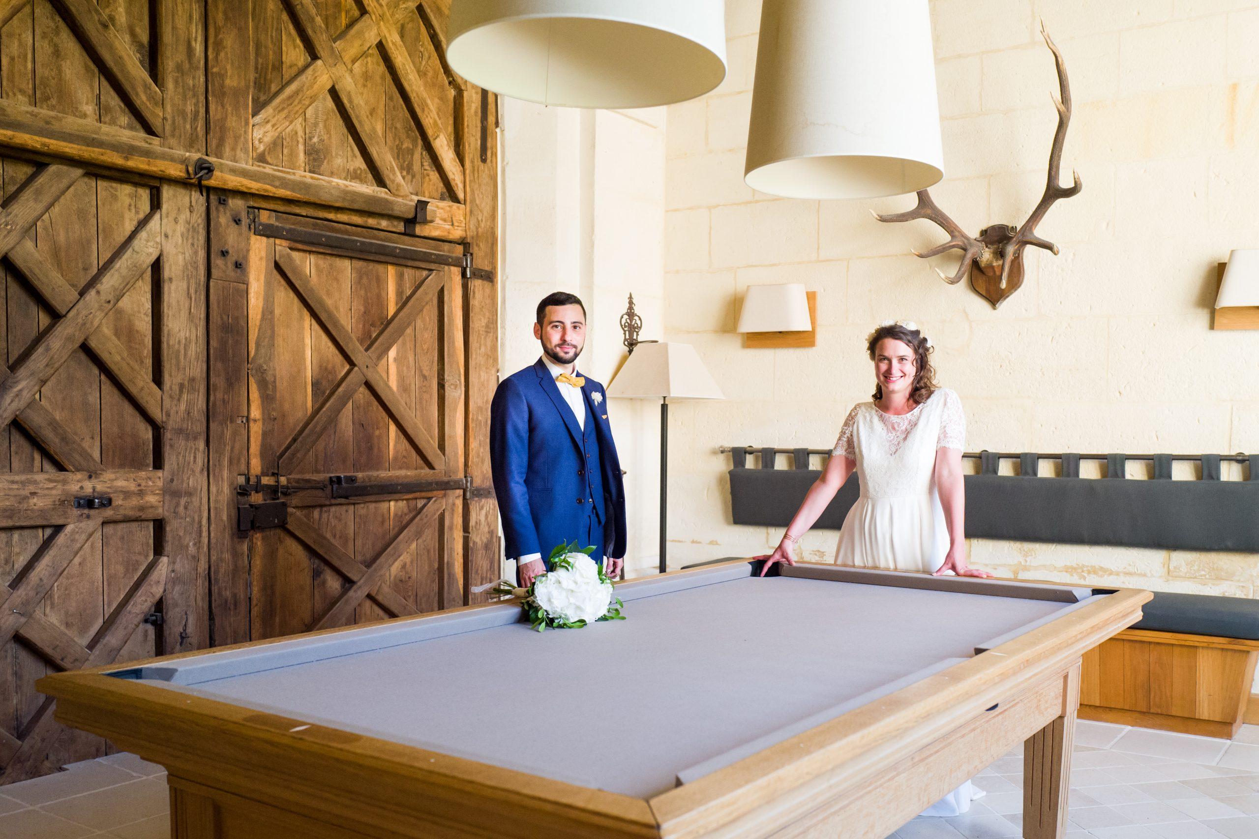 Photographe mariage - Paris - Montpellier - Nice - Mariage Hérault - Séance couple porte en bois