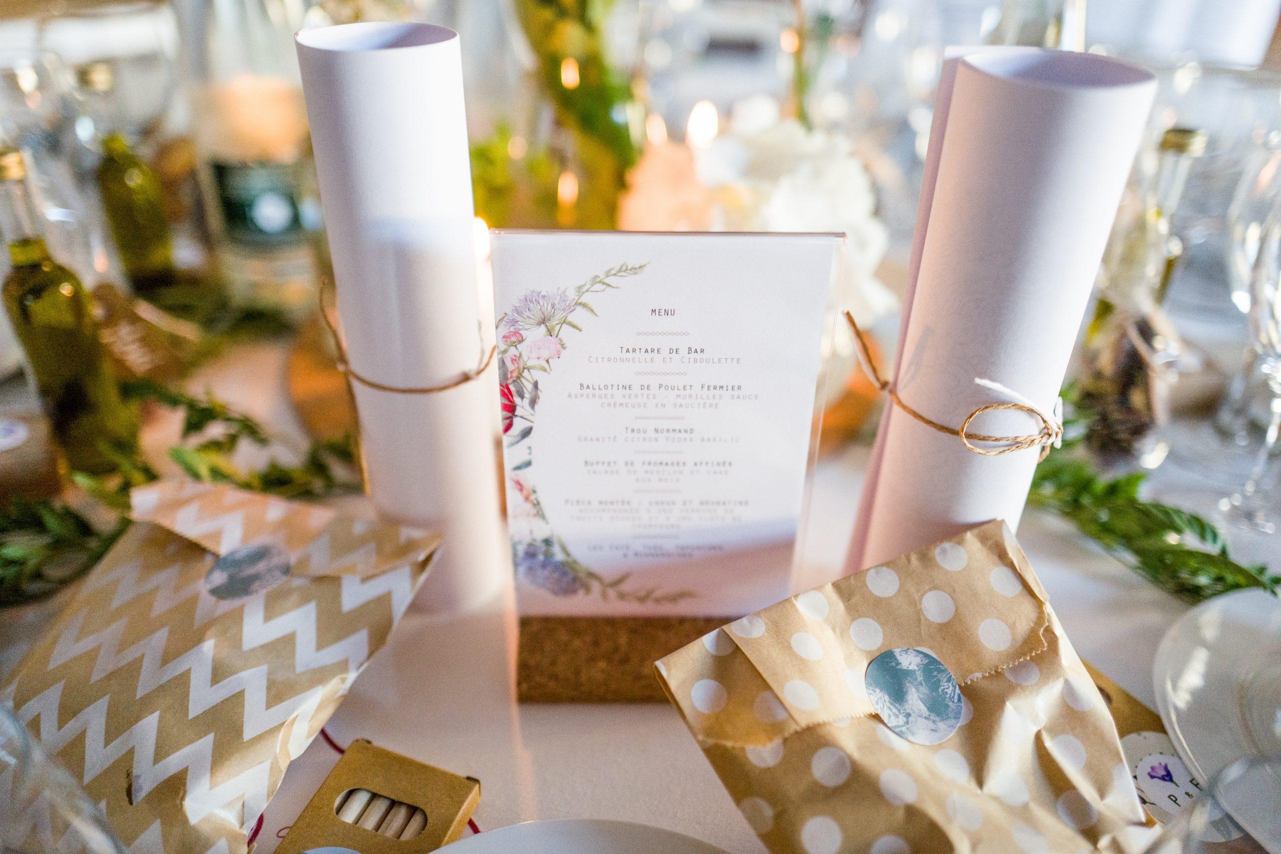 Préparatifs mariage - table de mariage - Paris - Photographe mariage - Paris - Montpellier - Nice - original - Mariage Ile de France - Paris