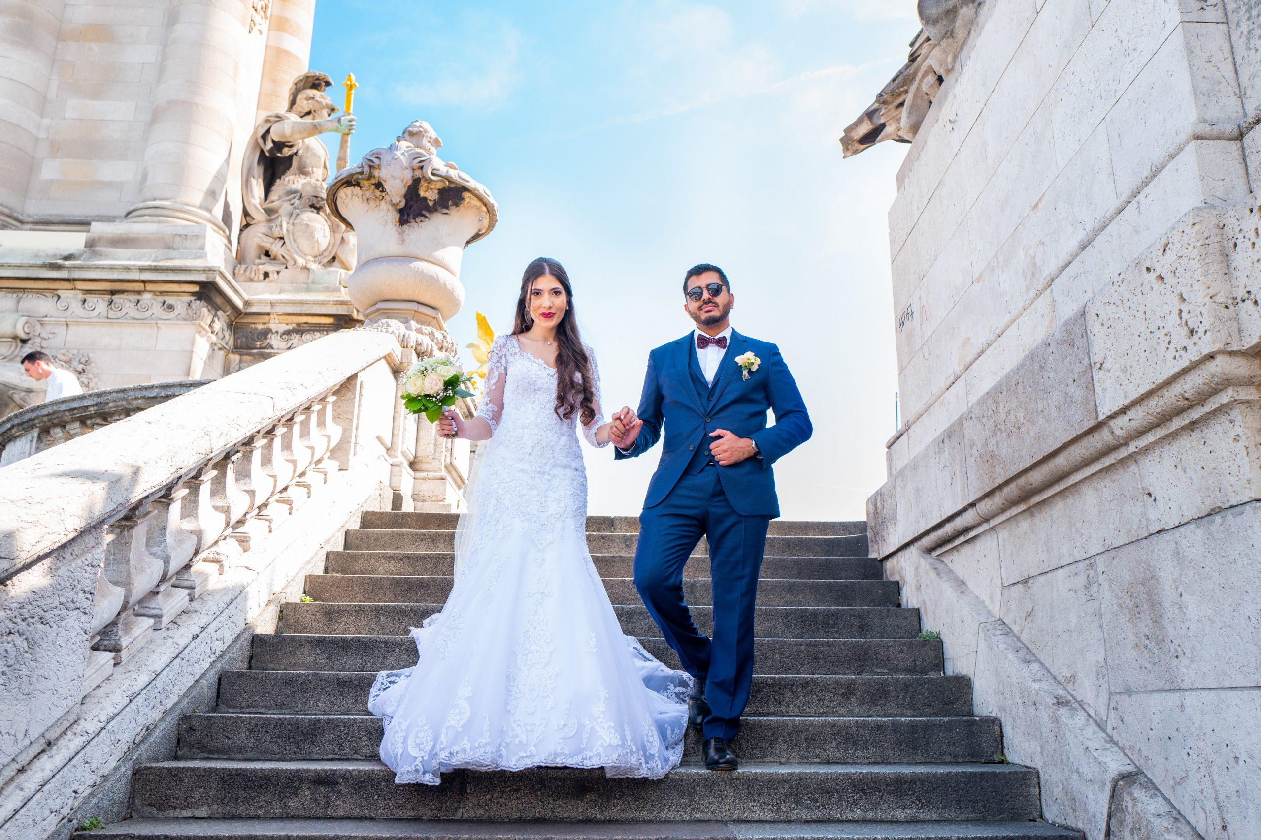 Mariage Paris - Photographe mariage Paris original - Séance couple - Tour Eiffel - Pont Alexandre III -
