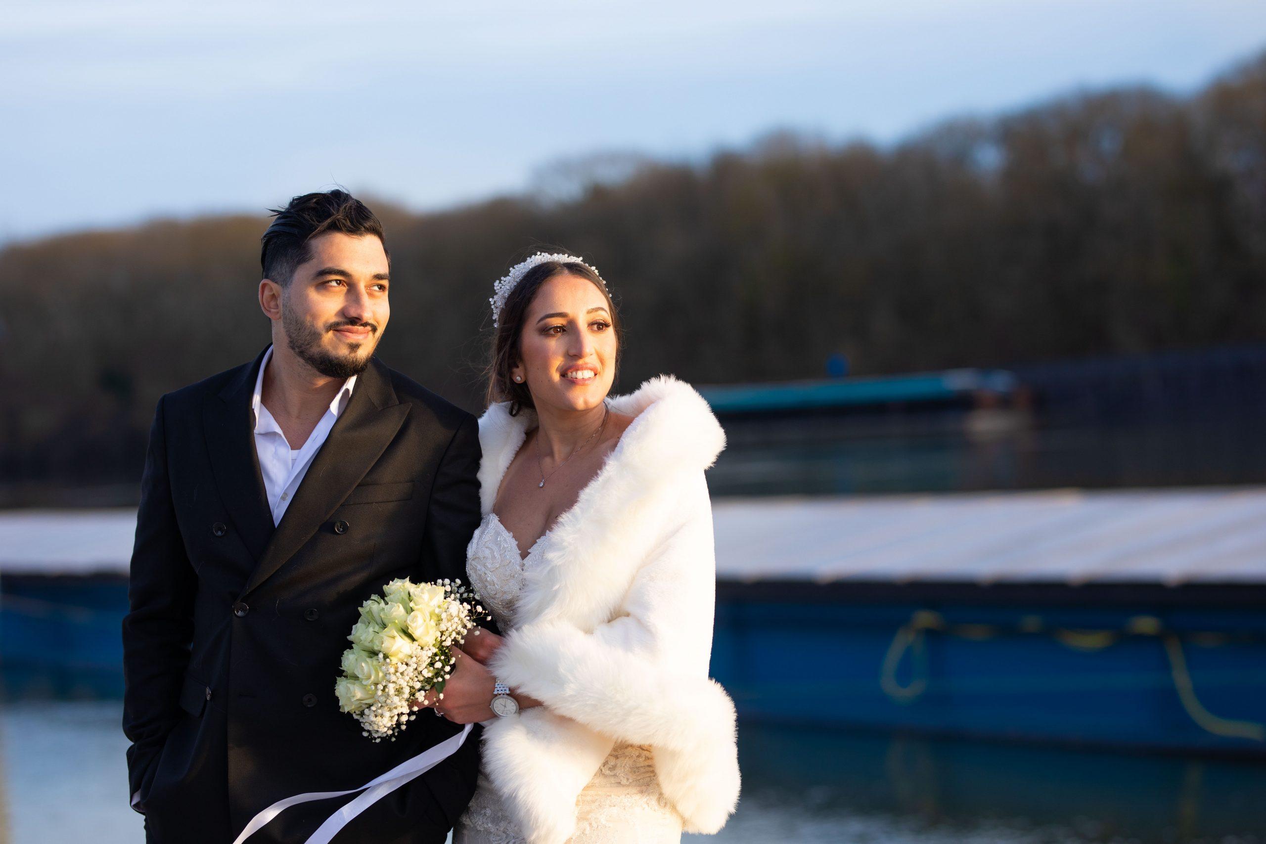 Mariage Ile de France - Photographe Ile de France original - mariage intime - séance couple - couché du soleil- Paris
