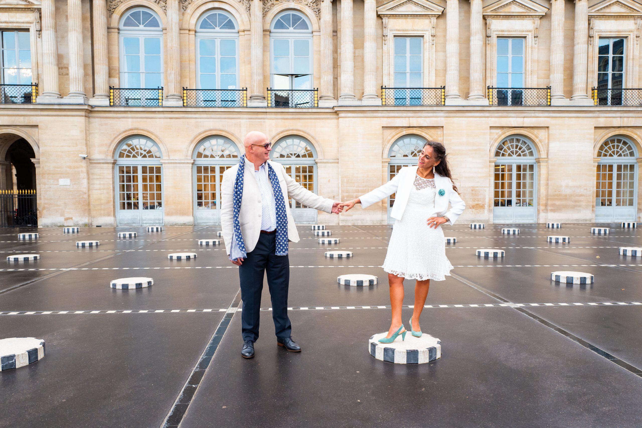 Mariage Paris - Photographe mariage Ile de France original - photographe couple Palais Royal - Paris